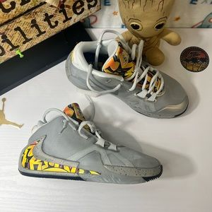 Nike Freak 1 GS, Metallic Silver.